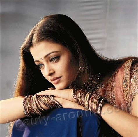most famous actress bollywood aishwarya rai the most beautiful and famous indian woman