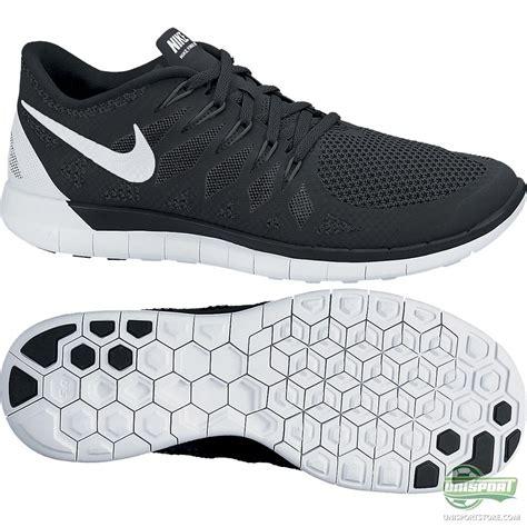 nike free running shoe 5 0 black white www