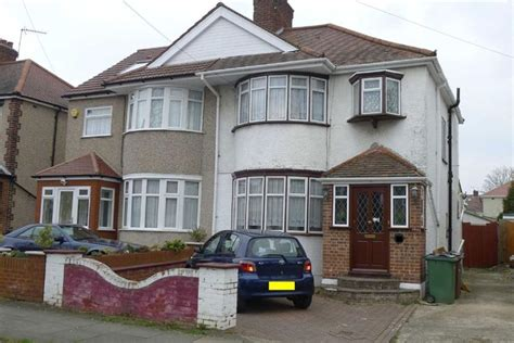 3 bedroom houses for sale in harrow 3 bedroom semi detached house for sale in kenmore avenue