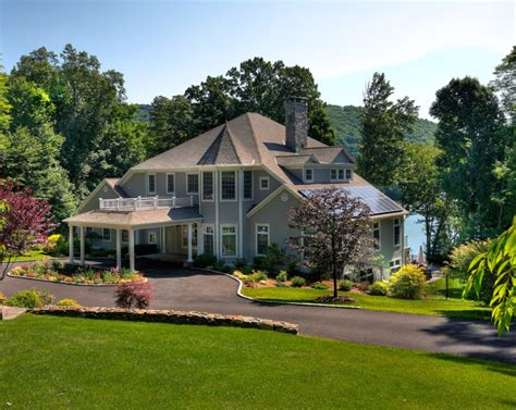 7 ways to determine a home s architectural style huffpost 10 creative ways to find the right exterior home color