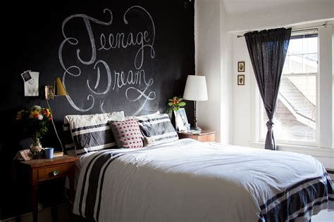 chalkboard bedroom wall ideas 35 bedrooms that revel in the beauty of chalkboard paint