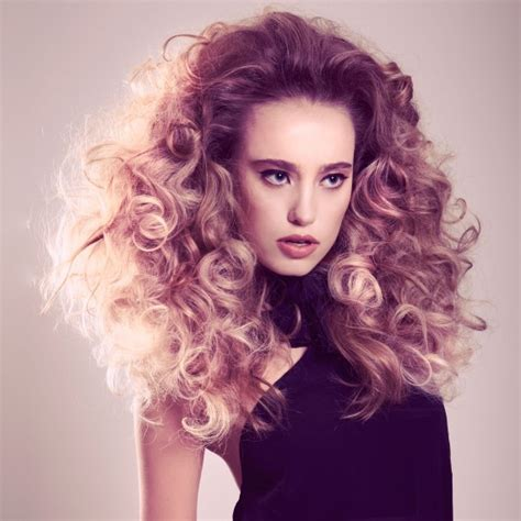 how to do voluminous hairstyles 15 pretty hairstyles with voluminous curls