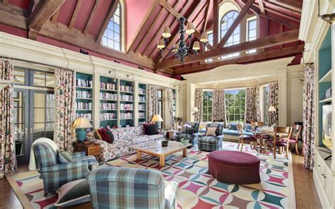 clinton house chappaqua this 17 9 million chappaqua property sits on 86 lakefront