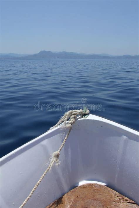acquisto isole greche barca sul mare in isole greche fotografia stock immagine