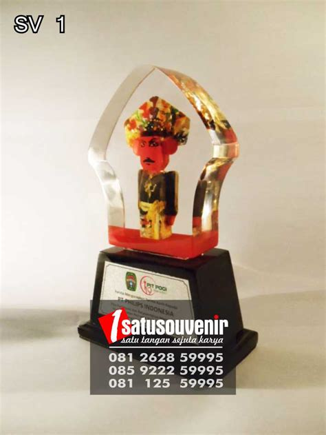 Souvenir Plakat souvenir perusahaan pt philips indonesia jual plakat