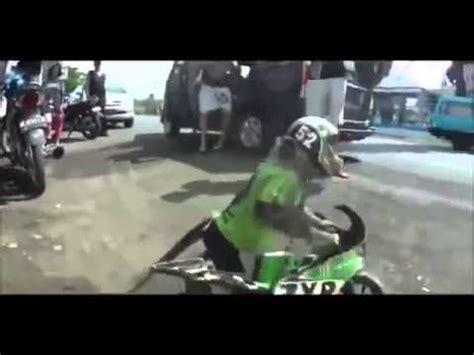 Videos Mit Motorrad by Affe F 228 Hrt Motorrad Youtube
