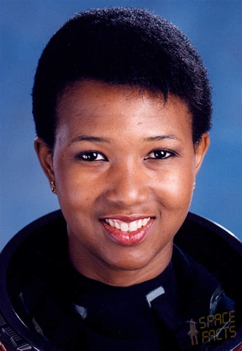 mae jemison first african american woman mae carol jemison quotes quotesgram