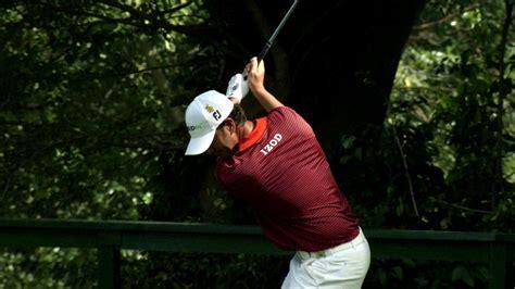 scott piercy golf swing brandel chamblee looks at scott piercy 10 finger grip