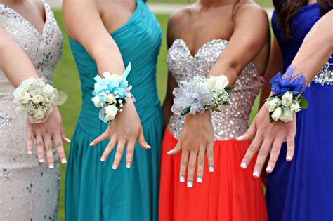 wrist corsages prom 2015 pinterest discover and save creative ideas