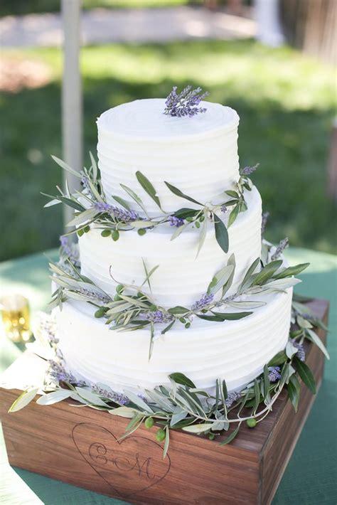 hochzeitstorte lavendel lavendel und olivenzweige hochzeitstorte dreist 246 ckig