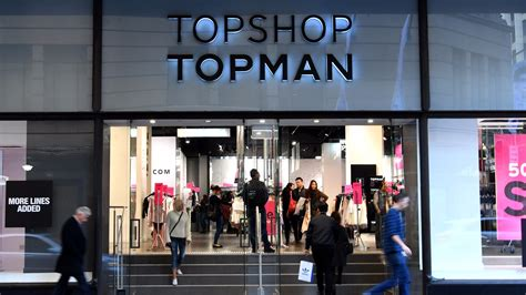 pronoun dressing room topshop s new gender neutral changing rooms spark debate among customers itv news