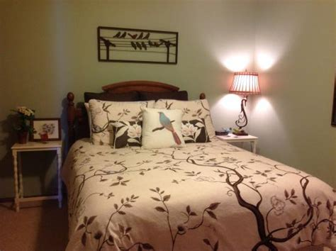 bird themed bedroom bird themed bedroom picture of sutherland blueberry bed