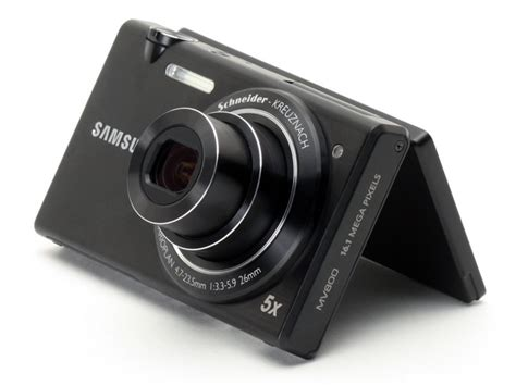 Kamera Samsung Mv800 samsung mv800 has a flip out lcd for unconventional