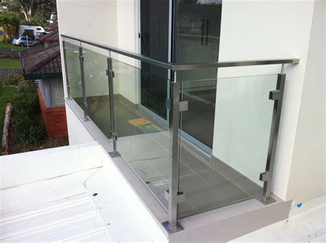 banister glass glass balustrade