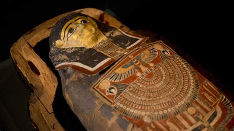 egyptian museum s displays cairo weepingredorger israel to display ancient mummy with modern day afflictions ctv news