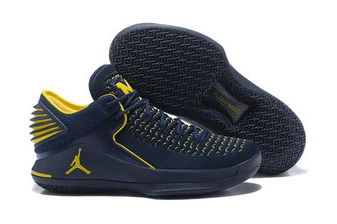 of michigan basketball shoes advanced design air xxxii low aj 32 of