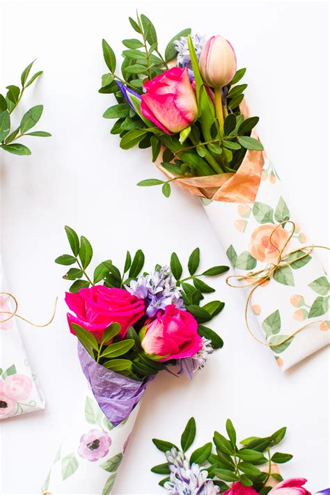 gift wrapping flowers 3 mothers day gift free printable flower wraps bespoke