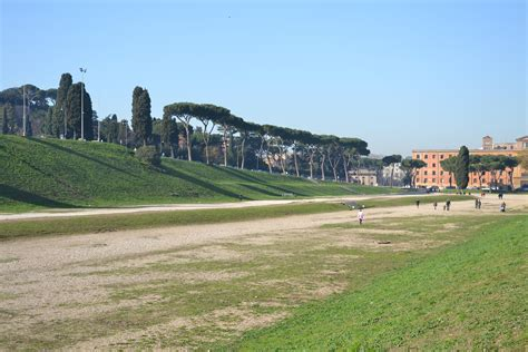 circo mximo la el ministerio de cultura de italia proh 237 be que se use el circo m 225 ximo como escenario de la nueva