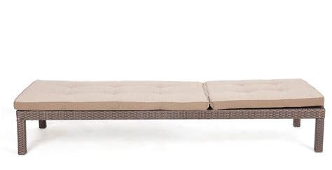 meuble patio rotin chaise longue confortable de couleur java meubles de