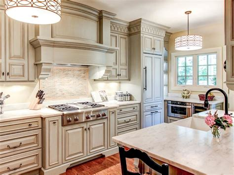 What Is The Best Way To Paint Kitchen Cabinets White Best Way To Paint Kitchen Cabinets Hgtv Pictures Ideas Hgtv White Kitchen Cabinets In