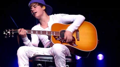 justin bieber favorite girl in concert justin bieber favorite girl heartless 12 19 10 youtube