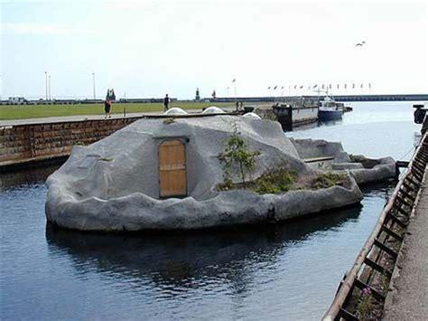 Handmade Houseboats - duckworks