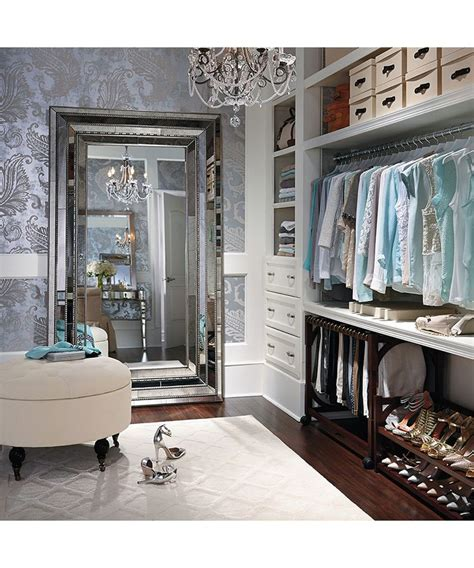 Pinterest S Walk In Closet Chandelier Ideas More Closet Dressing Room Chandeliers