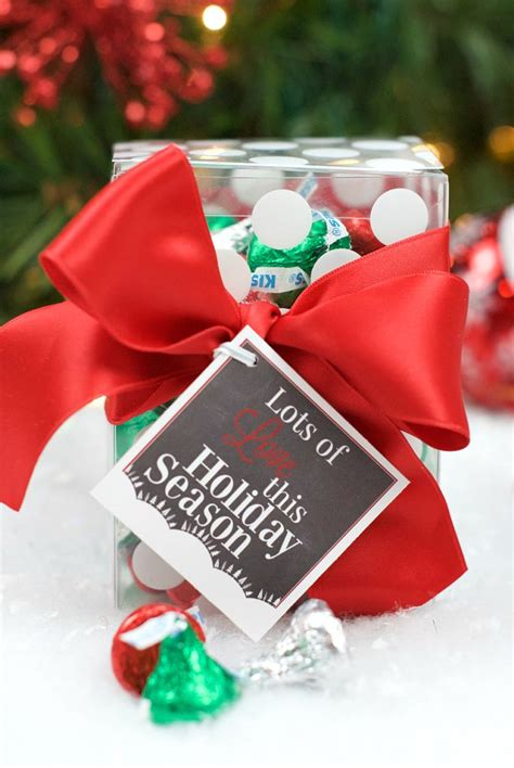 easy neighbor gifts  add  tag crazy  projects