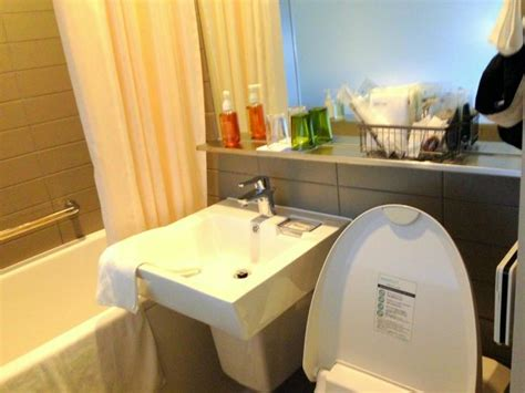 How To Clean A Hotel Bathroom by Clean Bathroom Picture Of Shinjuku Granbell Hotel