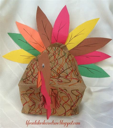 paper bag turkey pattern paper bag turkey craft for kids life on lakeshore drive