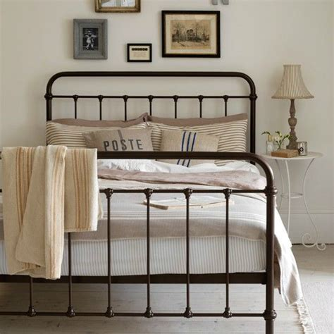 Complete Bedroom Looks Steps To Create A Stunning Cottage Style Bedroom