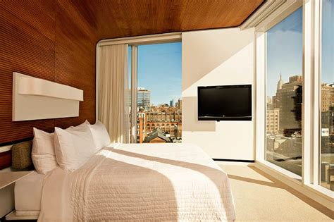 the standard high line hotel will take your breath away