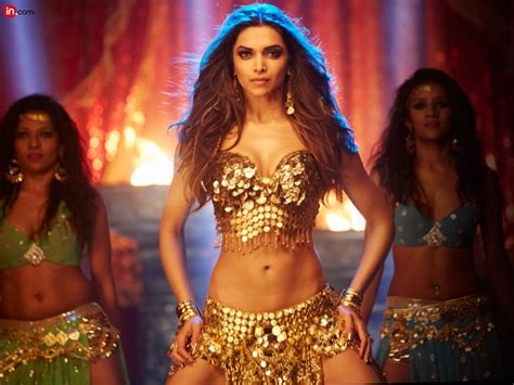 lovely mp3 deepika padukone in lovely song of happy new year
