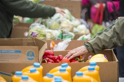 Food Pantry Grand Rapids Mi by Food Bank Hosting Fresh Food Giveaway Before Thanksgiving