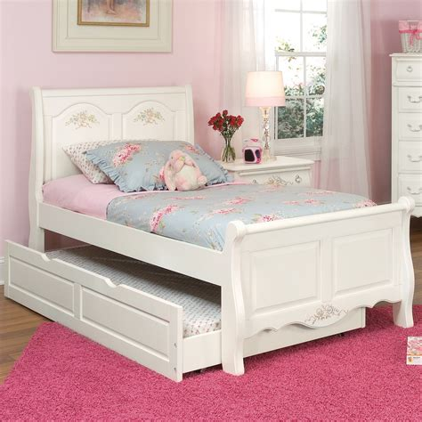 White Sleigh Bed Summerset White Sleigh Bed 67100 33sle American Woodcrafters Furniture