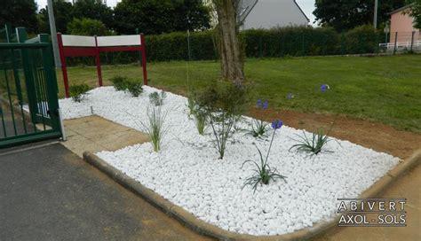 Massif De Fleurs Avec Galets by Cr 233 Ation De Jardin Cr 233 Ez Votre Jardin Personnalis 233 Avec L