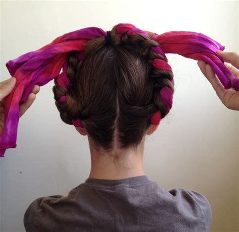 Frida Kahlo Hairstyle by Ilovetocreate How To Make Frida Style Braids