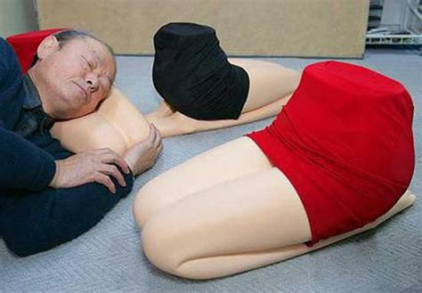 cuscino per gambe cuscino a forma di gambe femminili art4arte