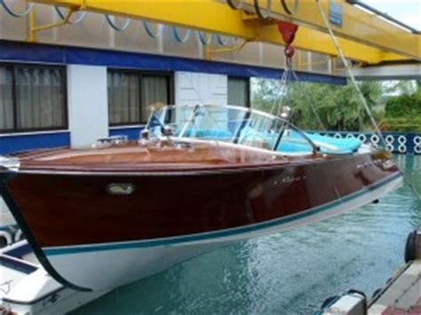 speed boats for sale lake garda carlo riva 171 findaboat co uk new and used boats for sale