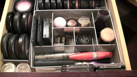 inside make up drawers and organizing tips