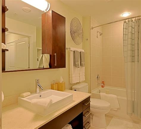 ivory coloured bathroom suites would a white or ivory shower curtain look better in this