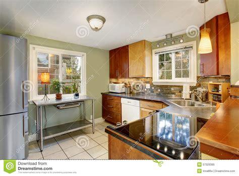 rivestire le piastrelle della cucina top cucina piastrellato