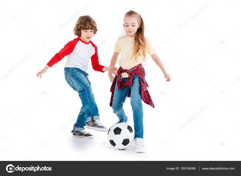 imagenes de unos niños jugando ni 241 os jugando al f 250 tbol foto de stock 169 natashafedorova
