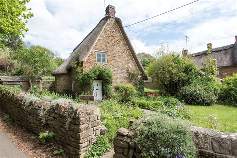 cottage cotswolds 8 dreamy cotswold cottages for sale properties in the