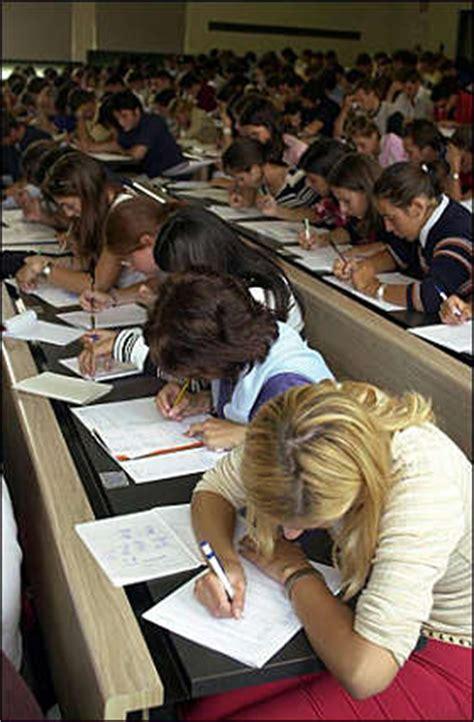 test ingresso scienze politiche primi test per scienze politiche corriereuniv it