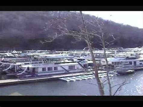 boat repair near knoxville tn best 25 pontoon houseboat ideas on pinterest buy a boat