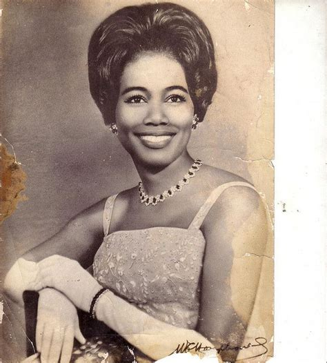 1960s models with dark hair 151 best images about 1950 s hairstyles on pinterest