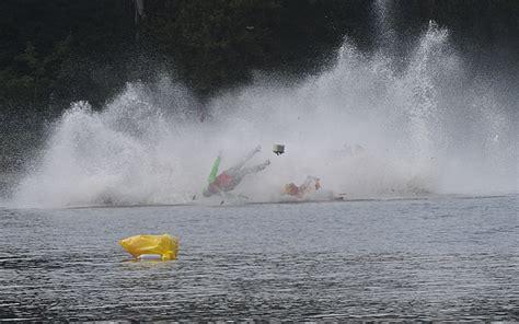 boat crash race speed boat crash in massachusetts leaves 1 dead 1