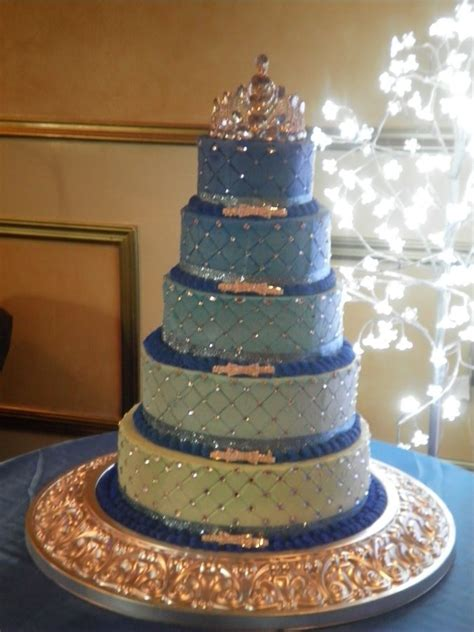 winter themed quinceanera cakes 99 best cakes quinceanera images on pinterest