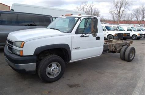 find used chevy 3500 cab chassis 1 ton dually 2wd v8 auto